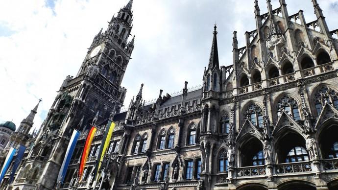 Turnul ceasului din Marienplatz, una dintre atractiile principale